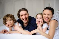 宜人的家庭早晨 免版税图库摄影