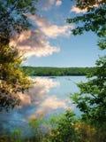 宜人的湖 免版税图库摄影