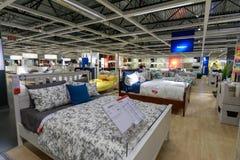 宜家商店的内部在波特兰,俄勒冈 宜家是世界的最大的家具零售商 库存照片