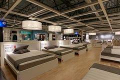 宜家商店的内部在波特兰,俄勒冈 宜家是世界\ 's最大的家具零售商 免版税库存照片