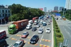 宝安107国民公路交通 免版税图库摄影