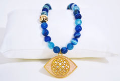 宝石蓝色玛瑙项链 免版税库存照片