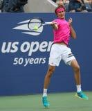 实践上德国的职业网球球员亚历山大兹韦列夫为2018年美国公开赛在比利・简・金国家网球中心 免版税库存图片