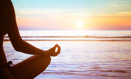 瑜伽锻炼摘要 免版税库存图片
