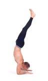 实践的瑜伽锻炼:手肘平衡- Pincha Maryurasana 图库摄影