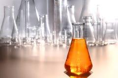 实验室设备在科学研究实验室 免版税库存照片