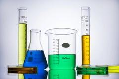 实验室设备烧杯试管 免版税库存图片
