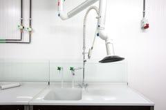 实验室轻拍丝毫空气提取 免版税库存图片
