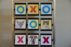 宠物不存在和十字架 免版税库存图片