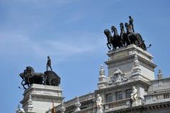 审判官席的毕尔巴鄂比斯卡亚是大厦Calle de Alcala, 16,位于马德里,西班牙 在1919年射出 免版税库存照片