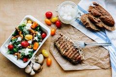 审美被生动描述的国家午餐 免版税库存照片