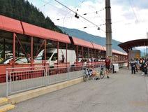 审阅Tauern铁路隧道的汽车 库存图片