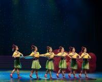客人问候歌曲她国籍风俗中国民间舞 免版税库存照片