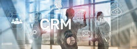 客户关系管理,顾客关系在摘要的管理系统概念弄脏了背景 免版税库存图片
