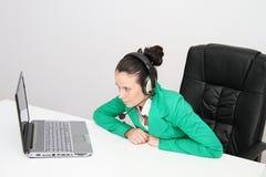客户女性耳机运算符技术支持 库存图片