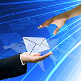 客户服务部寄发邮件到客户 免版税库存图片