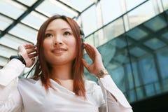 客户耳机有代表性微笑 免版税图库摄影