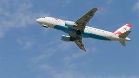 客机空中客车320-214奥地利航空 免版税图库摄影