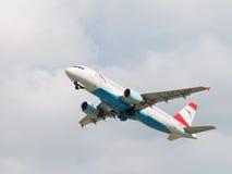 客机空中客车A-320-214奥地利航空 免版税库存照片