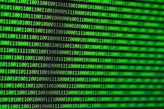 黑客概念 二进制代码计算机 库存照片