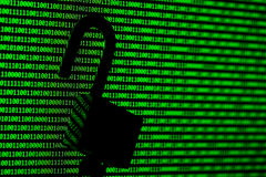 黑客概念 计算机二进制编码和挂锁 库存图片