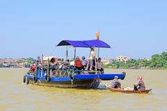 客船在会安市,越南联合国科教文组织世界遗产名录 免版税图库摄影
