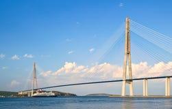客船日本Maru移动在桥梁下 东部Bosphorus海峡 东部(日本)海 22 05 2015年 图库摄影