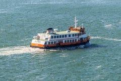 客船Dafundo在里斯本 免版税库存照片