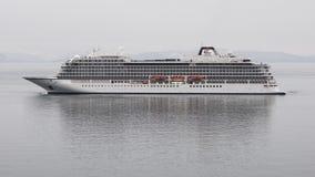 客轮北欧海盗猎户星座相反航行在海 股票录像