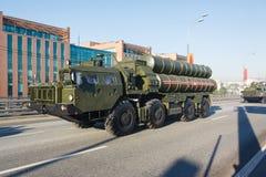 300 2008宣扬长的导弹莫斯科游行范围俄国s表面系统对胜利 图库摄影