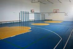 室内学校体操 免版税库存照片