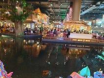 室内水市场象泰国购物中心 免版税库存图片