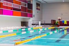 室内游泳池 免版税库存图片