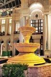 室内经典喷泉 免版税库存图片