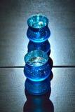 室内装璜的蓝色罐设计在家 免版税库存照片