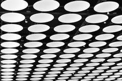 室内设计天花板伦敦希思罗机场终端4 库存照片