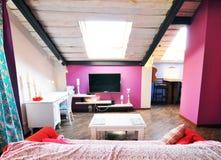 室内设计:一个现代客厅 免版税图库摄影