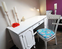 室内设计:一个现代客厅 免版税库存照片