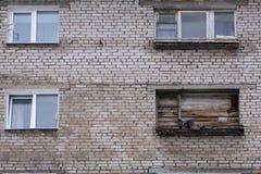 室在有上的一个老房子里窗口 免版税库存图片