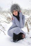 室外冬天的风景的好女孩 图库摄影