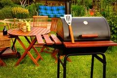 室外周末BBQ格栅党或野餐概念 免版税图库摄影