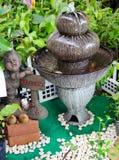 室外喷泉在庭院里 免版税库存照片