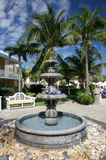 室外喷泉的旅馆 库存图片