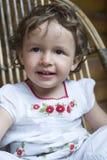室外女婴的特写镜头 库存图片