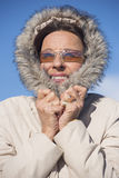 室外妇女温暖的冬天的夹克 免版税库存图片