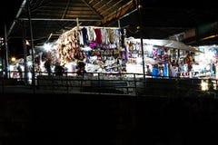 室外市场在晚上库斯科秘鲁南美 免版税库存照片