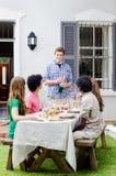 室外招待用香槟和食物 库存图片