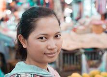 室外柬埔寨秀丽女孩面孔的portraite 库存照片