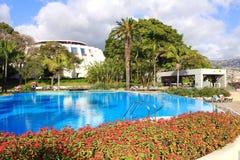 室外水池在五星旅馆丰沙尔,马德拉岛 库存照片