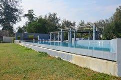 室外池游泳 免版税图库摄影